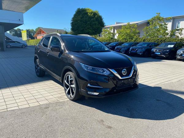 Foto - Nissan Qashqai Tekna 1.3 DIG-T DCT 160 Winter, Bose, Panorama, Saftey Shield Plus