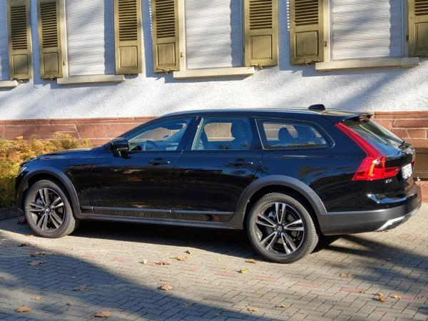Foto - Volvo V90 Cross Coutry D% AWD Geartronic Pro Kombi