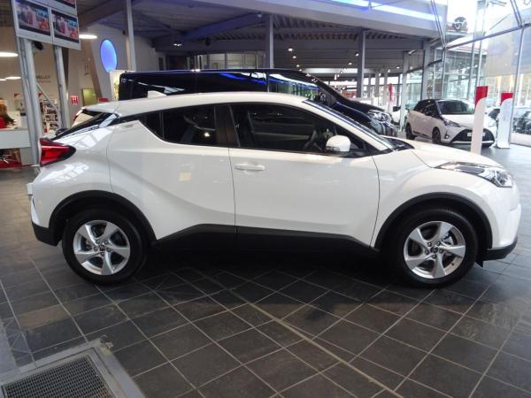 Foto - Toyota C-HR 1,8l Hybrid *Apple CarPlay* *LED* *Kamera* *Aktionsmodell*