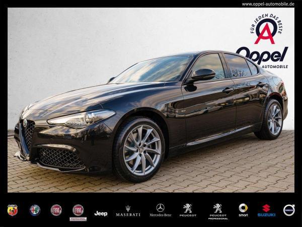 Alfa Romeo Giulia 2.2 JTDM Veloce Q4 NAVI+XENON+ACC+KAMERA