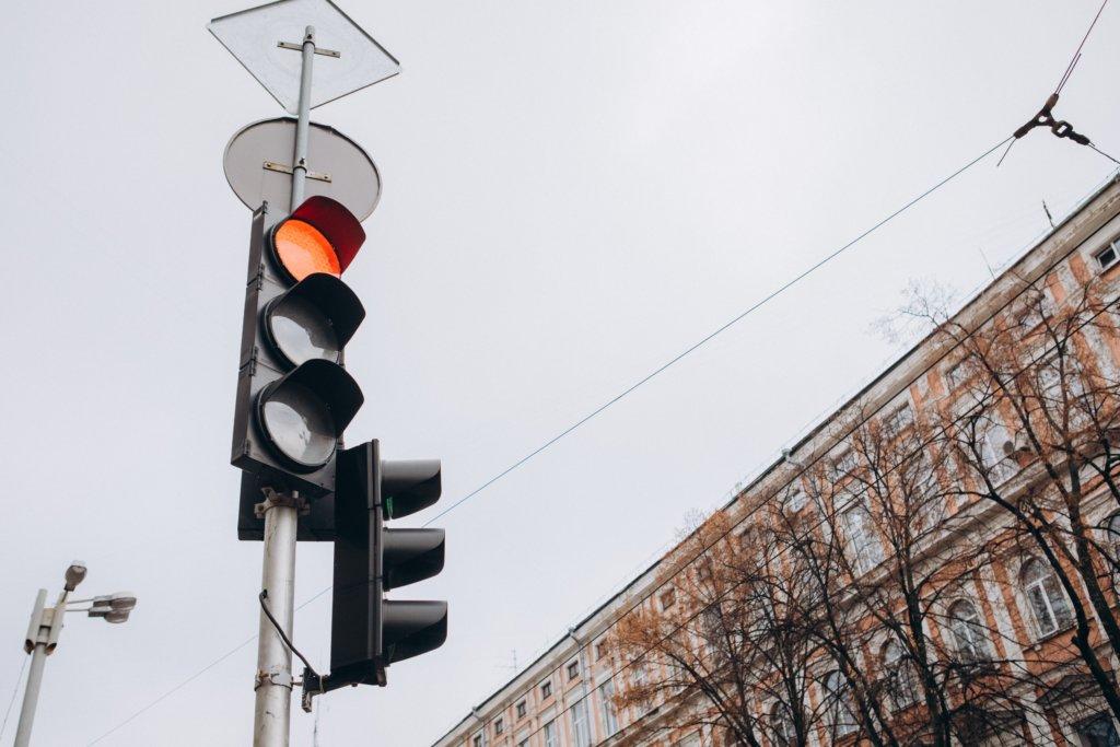 rote ampel strassenverkehr
