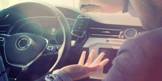 pkw-schlüssel im auto