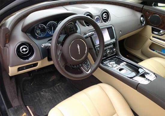 cockpit und innenraum im xj von jaguar